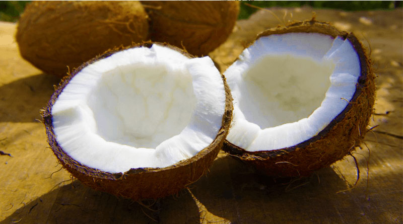Benefits of Coconut Oil in Cooking and as a Cosmetic