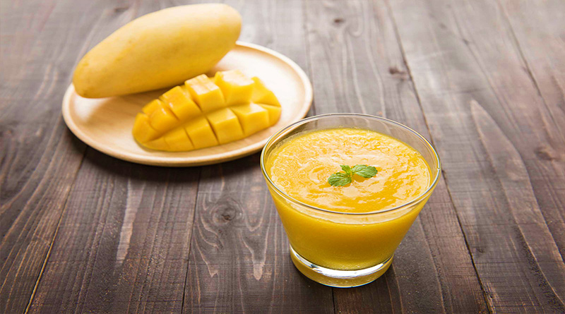 Slimming Shakes with Mango and Pineapple