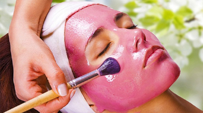 Pomegranate Facial Treatment to Combat Aging