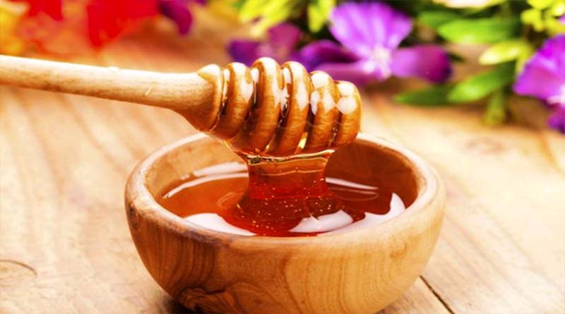 The use of honey to treat fungal infections